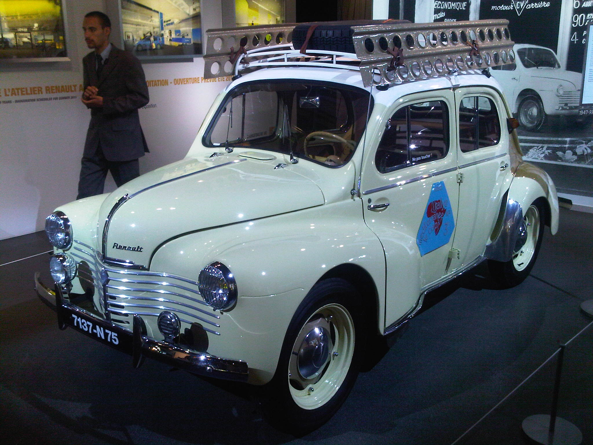 blanche avg AtelierRenault100ans-14