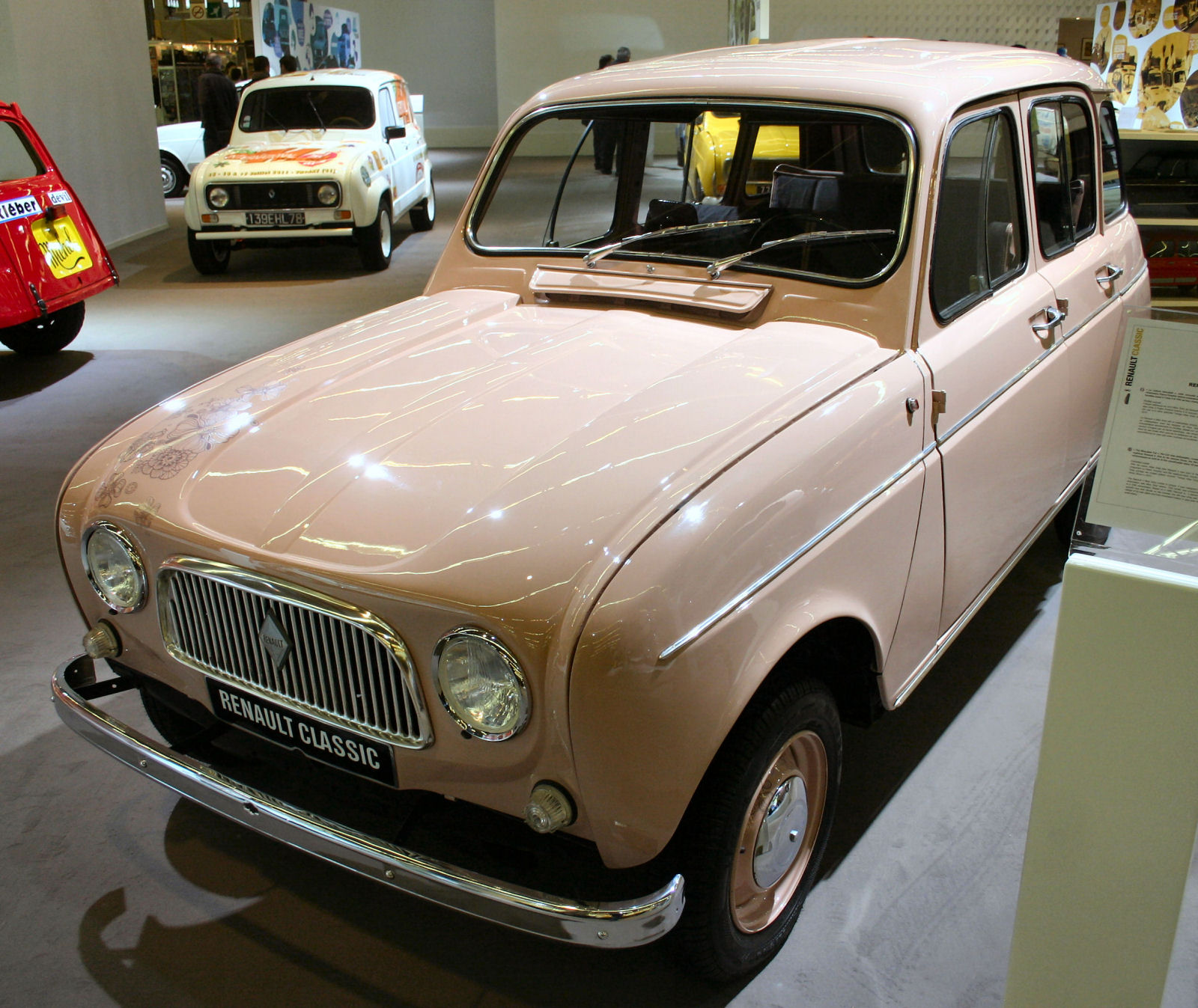 rose avg renault-4-miss-sixty-2