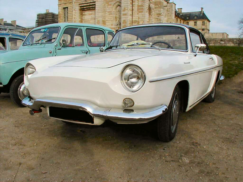 blanche avg renault caravelle-coupe r4