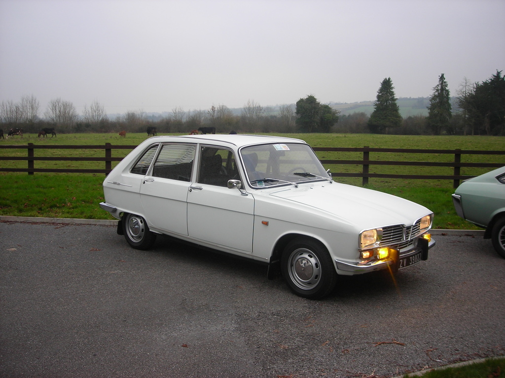 blanche avd Renault16TS1970