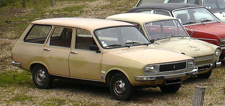 creme Renault 12 estate