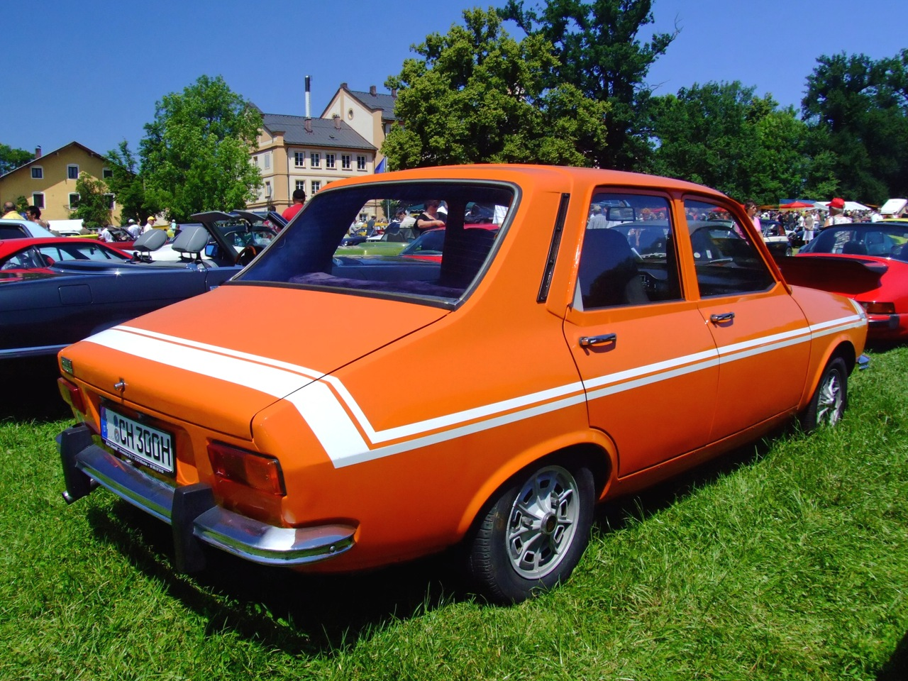 orange Renault 12 Gordini 2