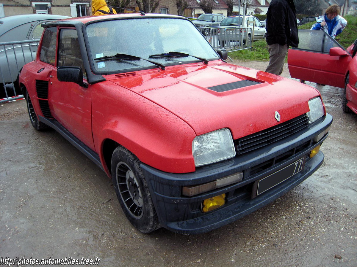 rouge avd Renault 5 Turbo 1