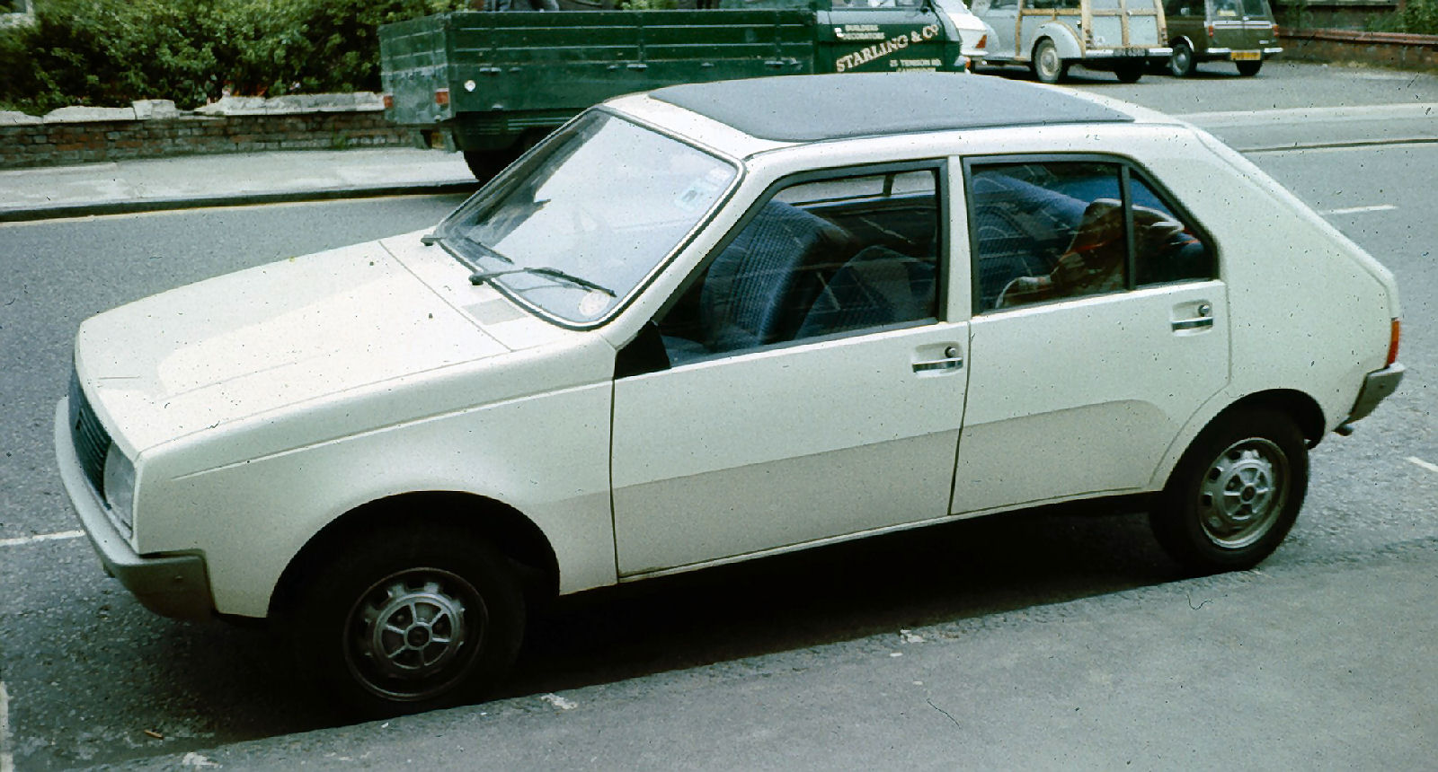 blanche Renault 14 pre-facelift