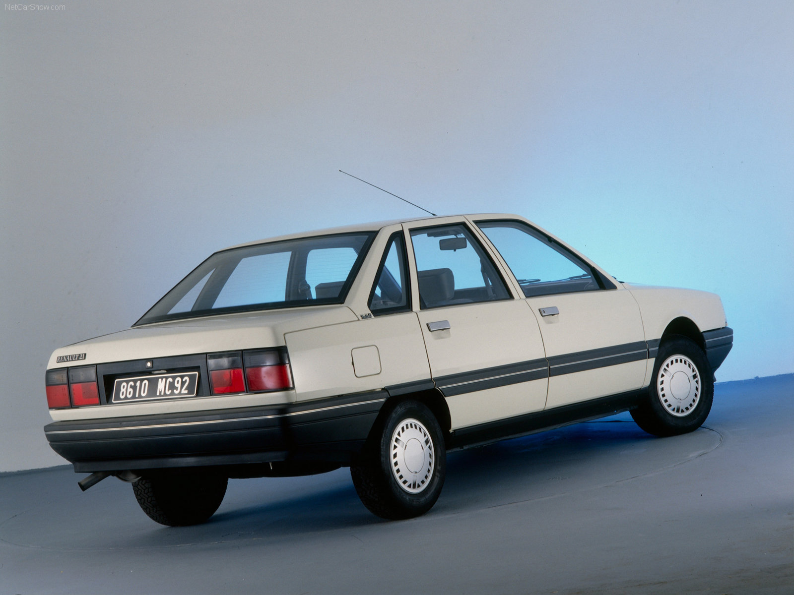 blanche Renault-21 Turbo D 1986 1600x1200 wallpaper 02
